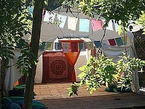 Yoga temple di fronte al Fiume